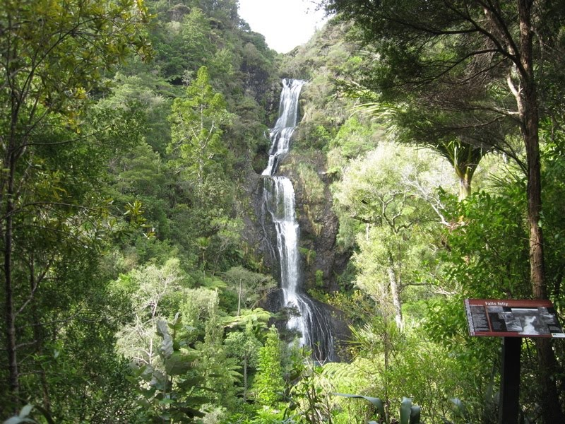 Kitekite Falls
